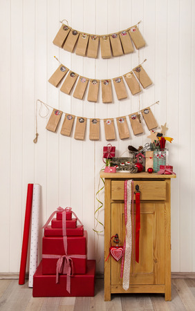 craft material tinker: Handmade christmas presents. Hanging advent calendar, greeting cards and craft supplies for xmas in red, white, brown and green colors.