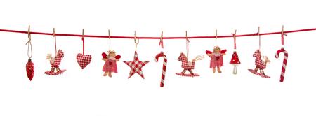 Hanging blanc rouge Décoration de Noël damier isolé sur le fond dans le style du pays.