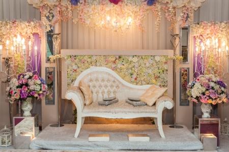 マレーの結婚式のための美しい結婚式の祭壇