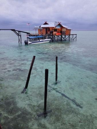 mabul: House at Mabul Island Stock Photo