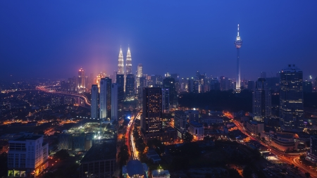 Petronas Twin Tower at Night 에디토리얼