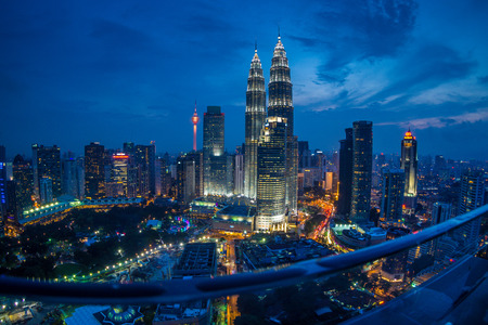 Kuala Lumpur Twin Towers at Night, high angle and fish eye view 新聞圖片
