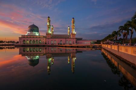 likas: Sunset at Likas Mosque, Kota Kinabalu, Sabah