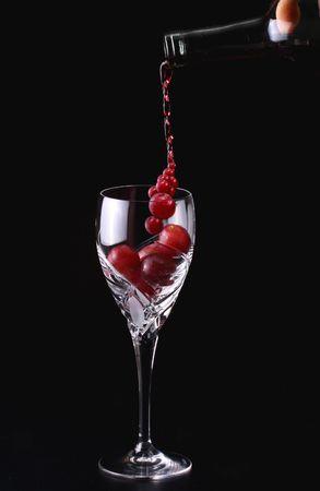 bordeau: Pooring grape