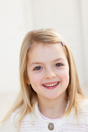 ブロンドの髪を持つ少女 写真素材