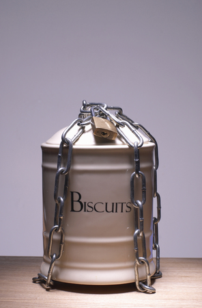 Biscuit jar chained up
