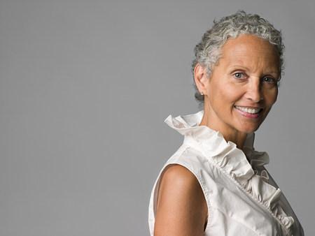 Portrait d & # 39 ; une femme âgée Banque d'images - 85900130
