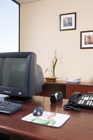 Computer desk in an office Stock Photo - 86036638
