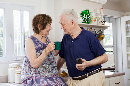 Senior couple in kitchen Stock Photo - 86036684