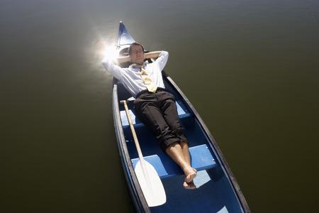 Zakenman in slaap in kano.