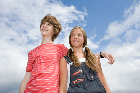 Teenage couple looking up Archivio Fotografico