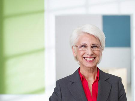 Senior business women in loft Banco de Imagens - 114047227