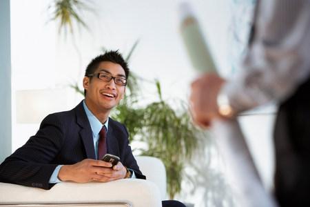 Business colleagues meet in al lobby 免版税图像