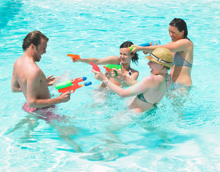 water fight Banque d'images - 114047165