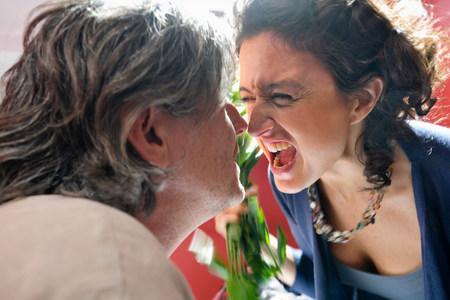 woman shouting at man Banque d'images - 113892795