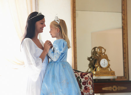Mother & daughter dressed as princesses Stockfoto