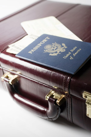 Briefcase tickets and a passport Banque d'images - 118440847