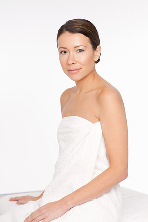 Young woman wearing towel Banque d'images