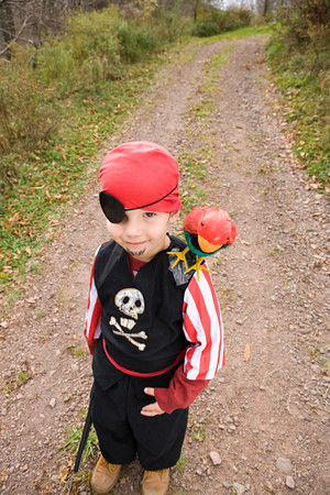 Boy dressed as pirate 스톡 콘텐츠