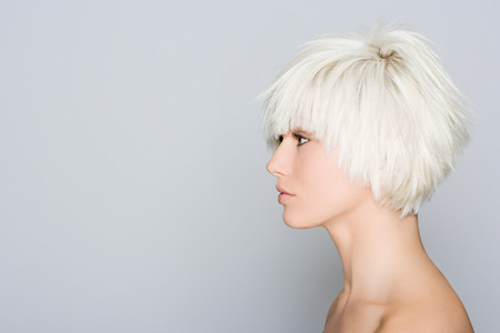 Profile of a blonde woman Imagens