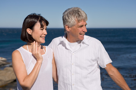 Mature couple by the sea Stockfoto