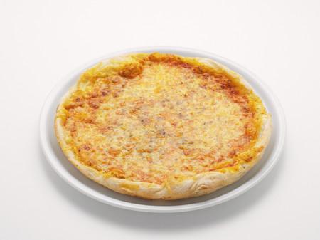 Pizza on plate Фото со стока