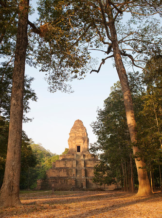 A Smaller Temple Of The Angkor Complex In Siem Reap Province, Cambodia Banco de Imagens