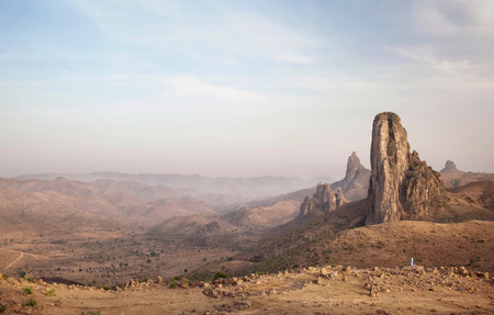 Rhumsiki Rock, In The North Of Cameroon. This Pillar Is The Funnel Of An Extinct Volcano, Where The Set Rock Is Extremely Hard. The Softer Rock Mountainside Around Has Long Since Eroded Away 版權商用圖片