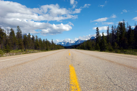 Icefields Parkway Towards The Rocky Mountains, British Colombia, Banff National Park, Canada, North America