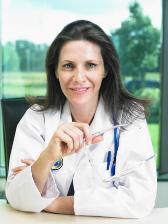 Portrait of female doctor. LANG_EVOIMAGES