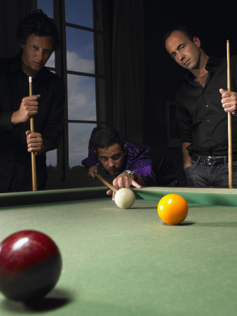 shooters: Men playing snooker