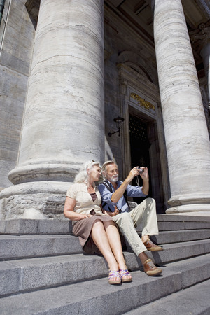 sightseers: Couple taking a picture