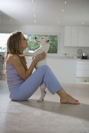 pleaded: Woman and dog LANG_EVOIMAGES