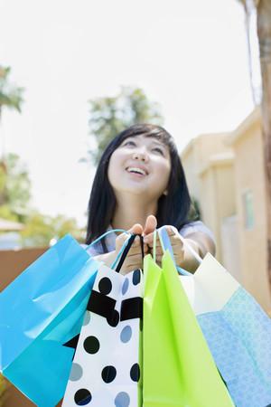 commodities: Riendo, adolescente, compras, bolsas LANG_EVOIMAGES