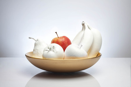 singularity: bowl of white fruit with apple LANG_EVOIMAGES
