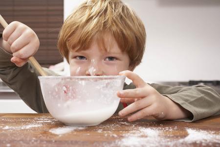overflows: Kids at Home LANG_EVOIMAGES