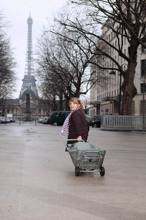 histories: Girl running with shopping cart