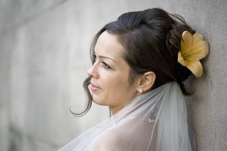marrying: Portrait of a bride. LANG_EVOIMAGES