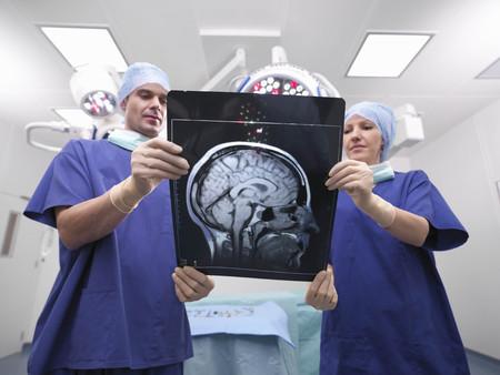 techniek: Verpleegkundigen kijken naar x-ray LANG_EVOIMAGES
