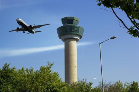 Plane ascending after take off LANG_EVOIMAGES