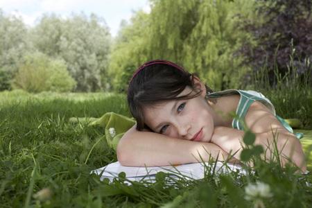 teaches: Kids in Garden LANG_EVOIMAGES