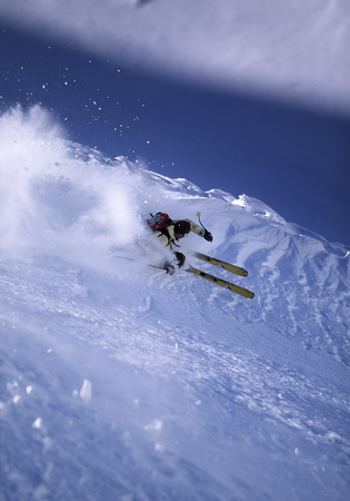 jeopardizing: Skier turning off piste LANG_EVOIMAGES