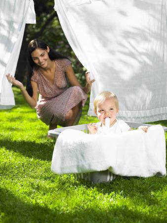 ahorcada: Baby boy in the laundry basket
