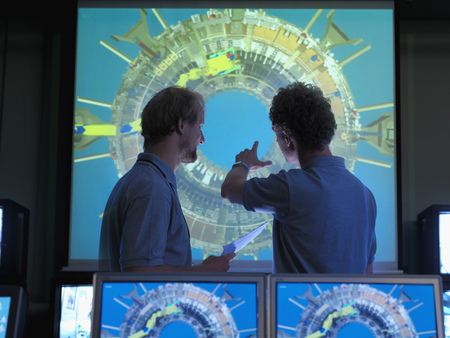 advances: Fusion Reactor Scientists With Screens LANG_EVOIMAGES