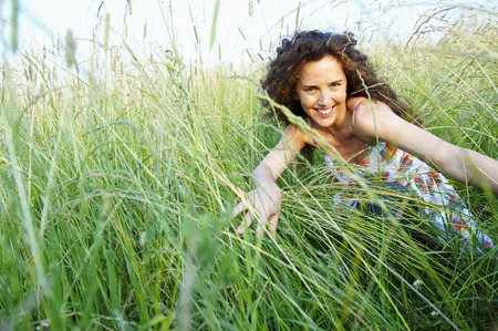 whimsy: Woman in a wheat field LANG_EVOIMAGES