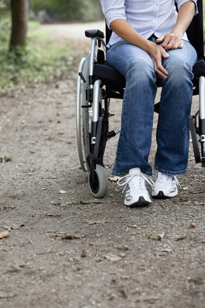 struggled: Woman in a wheelchair