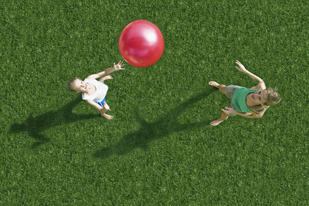 tosses: Mother and child playing ball