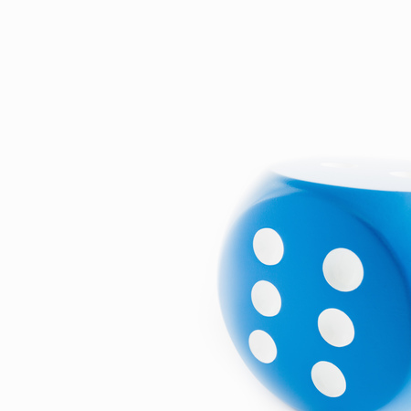 accomplishes: A dice with six showing LANG_EVOIMAGES