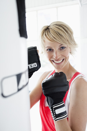 hits: Woman boxing