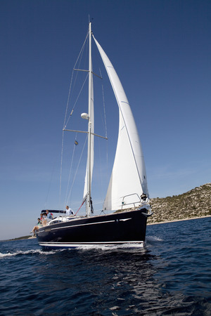 Team sailing yacht